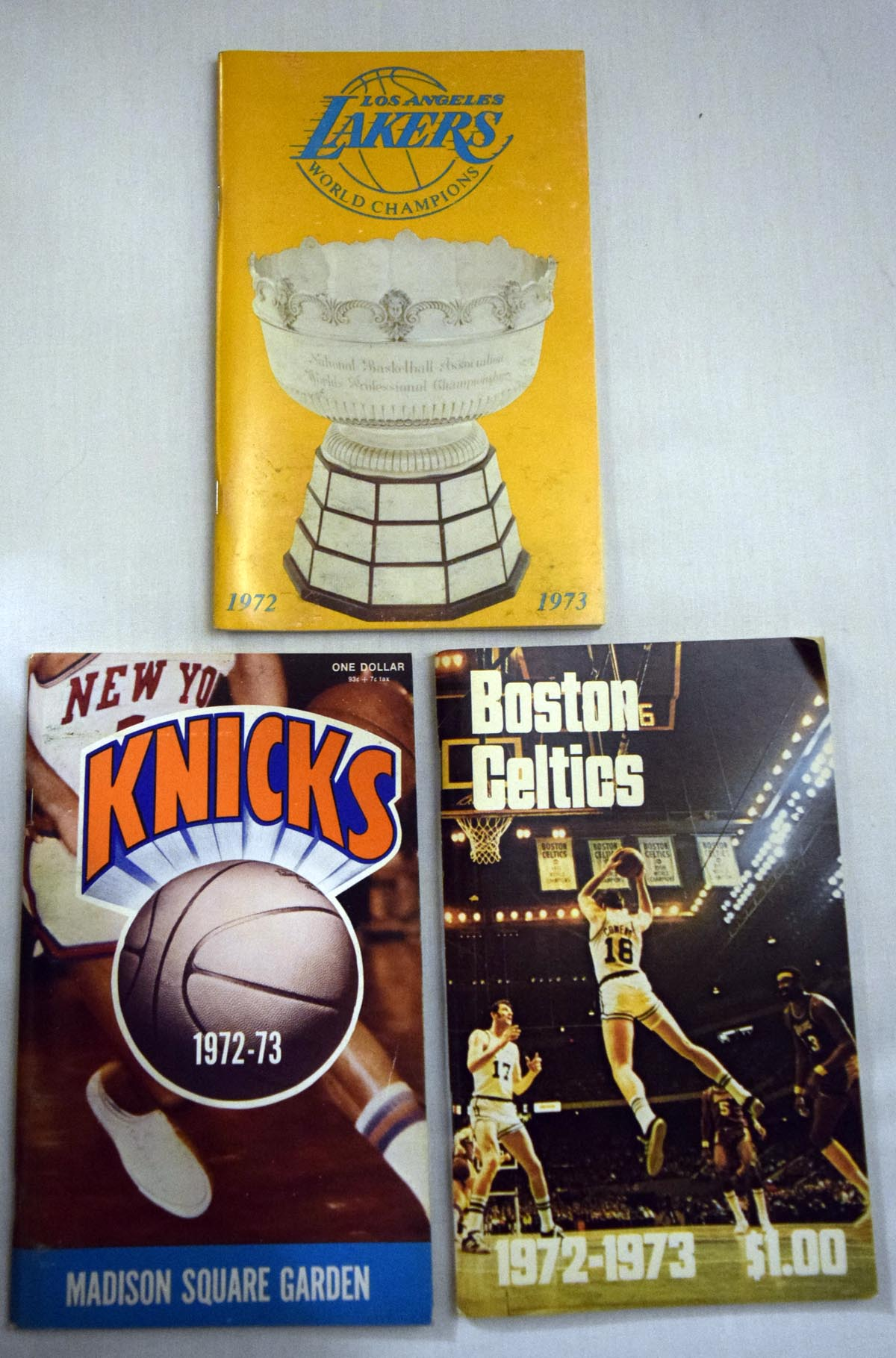 1972 Program  1972-3 NBA Full Media Guide Run (14 pcs) Ex-Mt/NM