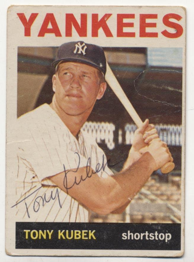 Lot #31 1964 Topps # 415 Tony Kubek Cond: 8.5