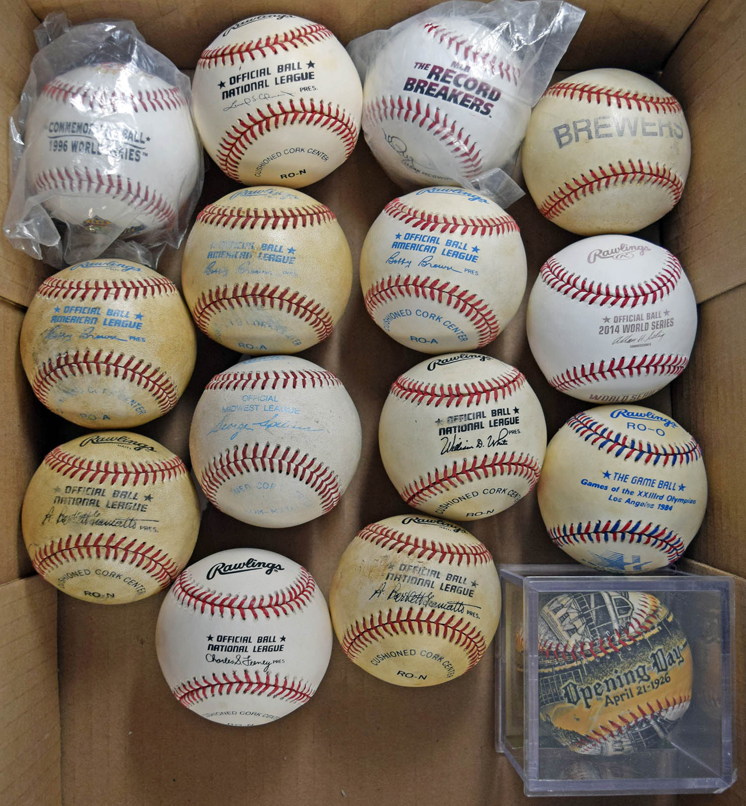 1985   Unsigned Ball Lot (15 pcs)