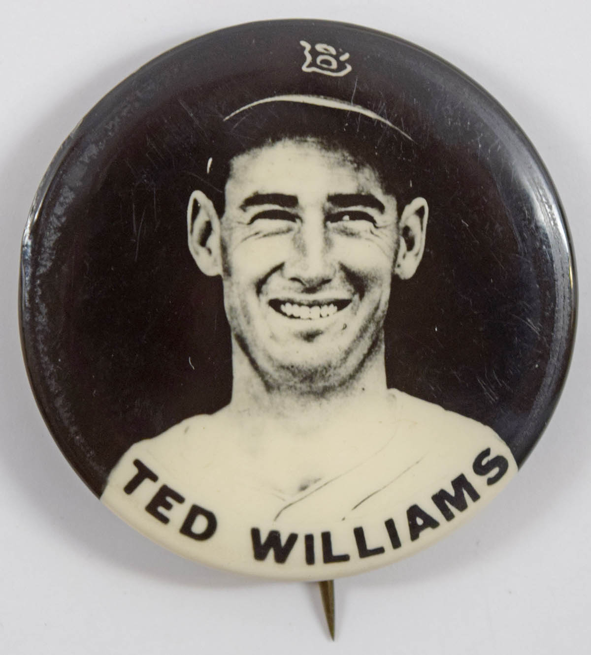 1950 PM10 Pin  Ted Williams (name in strip, black background) Nm-Mt