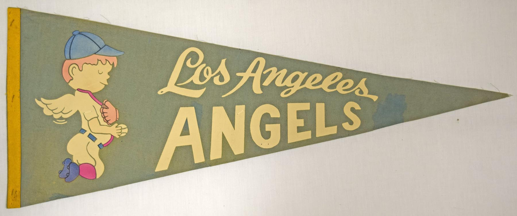 1961 Pennant  Los Angeles Angels 29 Inch VG